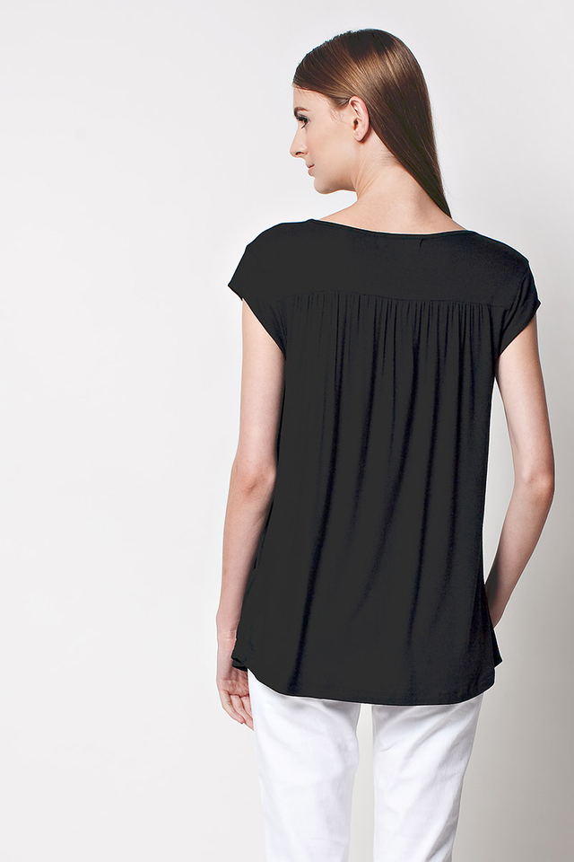 Lindsay Pocket Top Black